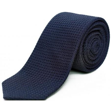 cravate-en-etamine-de-soie-bleu-petrole